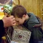 Пять часов в очереди, или зачем почитать святыни