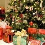 Рождественские подарки и украшения