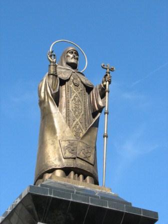Памятник святителю Митрофану в Воронеже. Фото Юрия Бледных